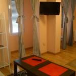 Mesa y Televisión  Apartamento 1